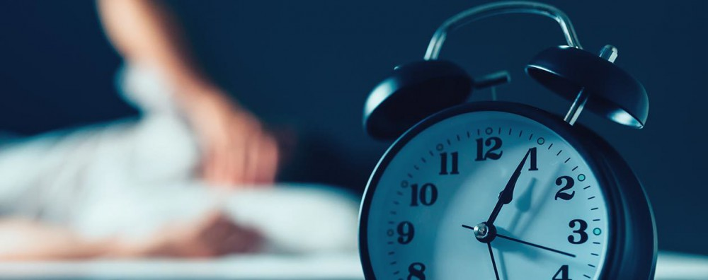 How To Wake Up : 9 Creative Ways to Get Out of Bed in the Morning