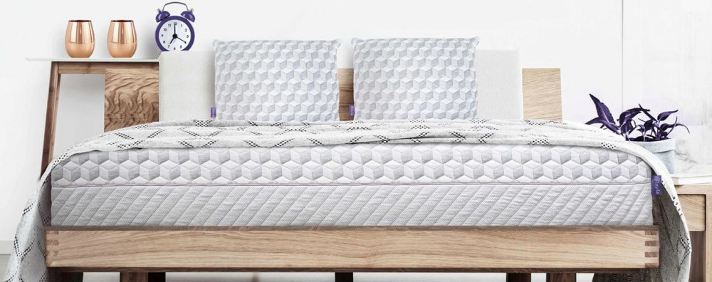 Memory Foam vs. Pillow Top Mattresses: Which Provides The Ultimate in Comfort?
